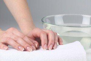 Лечение потливости рук уксусом