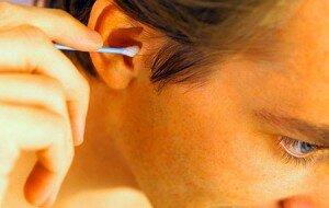 Неаккуратная чистка ушей