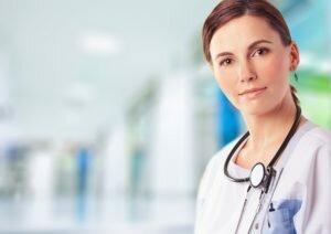 Девушка-врач